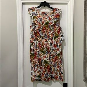 Women's XXL dress. NWT.